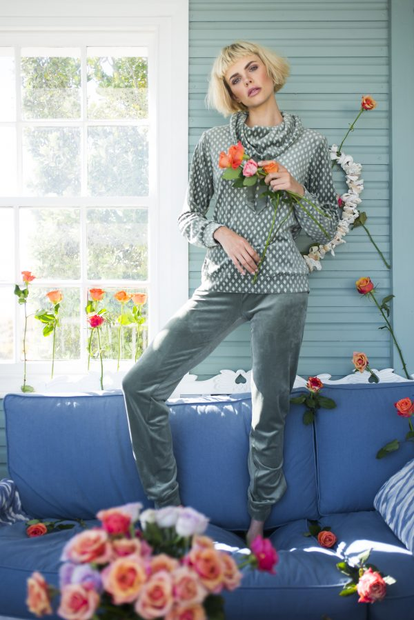 LORDS & LILIES Dames homesuit, all over agave feat