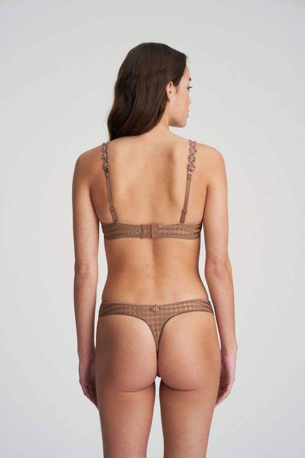 AVERO brons string